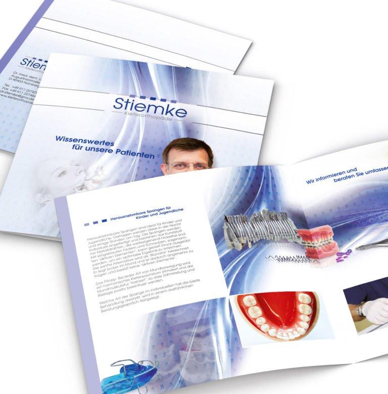 Broschüre für Kieferorthopädie Stiemke